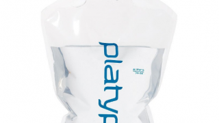 ソロキャンプなら軽量の「プラティパス」ボトルが人気でおすすめ!